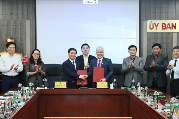 Bộ trưởng Hầu A Lềnh nhận bàn giao nhiệm vụ công tác Bộ trưởng, Chủ nhiệm Ủy ban Dân tộc