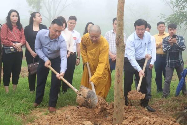 """Nghệ An: Tổ chức lễ trồng cây chương trình """"Chùa xanh"""" tại chùa Đại Tuệ"""
