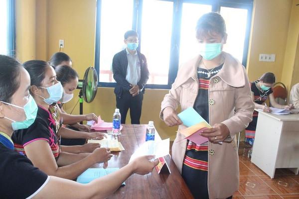 Rộn ràng ngày bầu cử sớm ở 6 xã biên giới Quảng Nam