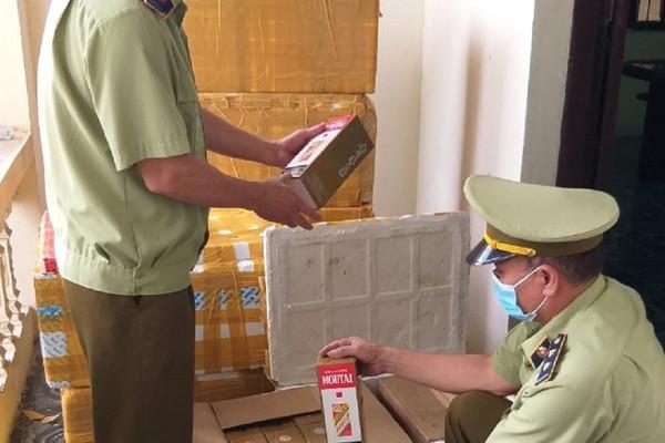 Bắc Ninh: Xử phạt 90 triệu đồng, tịch thu 408 chai rượu nhập lậu