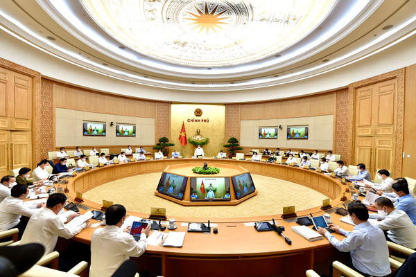 Thủ tướng ký ban hành Nghị quyết về mua vaccine COVID-19