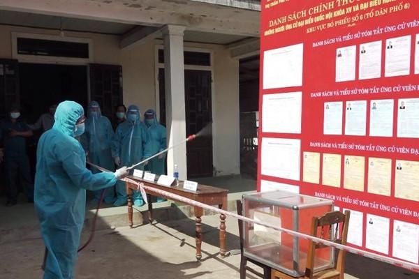 Huế: Diễn tập bầu cử tại nơi cách ly vì dịch COVID - 19
