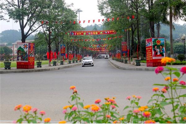 Lào Cai: Cử tri huyện vùng cao Bát Xát hân hoan chào đón ngày hội của non sông