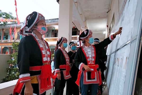 Hà Giang: Đến 15 giờ, tỷ lệ cử tri đi bầu cử đạt 99,86%