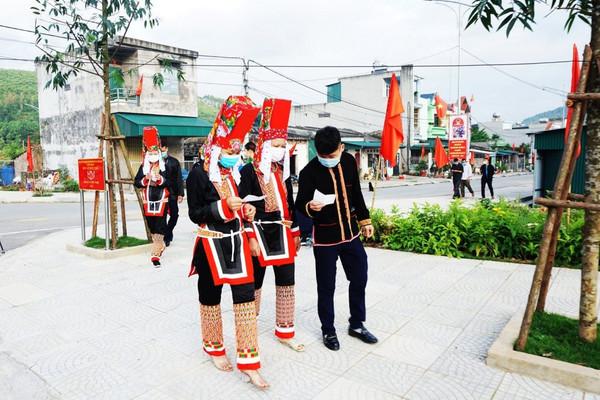 Quảng Ninh: Cử tri nô nức tham gia ngày hội bầu cử