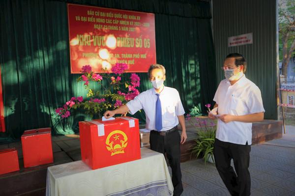 Hơn 890.000 cử tri Thừa Thiên Huế hân hoan đi bầu cử
