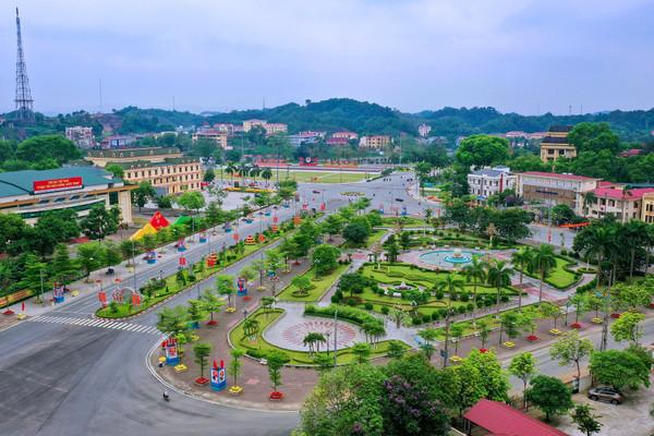TP.Yên Bái phấn đấu trồng mới 60.000 cây xanh đô thị