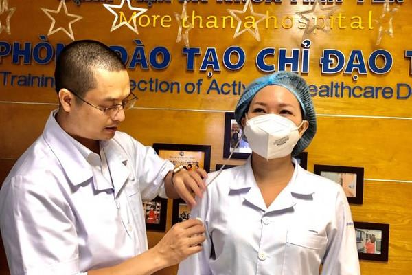 Yên Bái: Sáng kiến tiếp nước cho những người mặc quần áo bảo hộ y tế