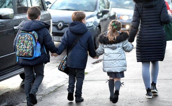 25% học sinh ở Anh hứng chịu ô nhiễm không khí vượt giới hạn của WHO