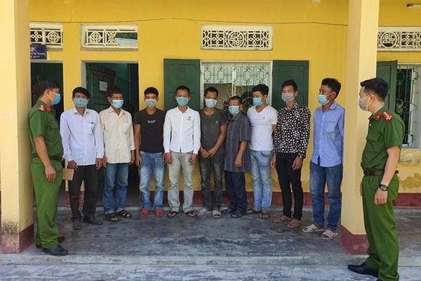 Thừa Thiên Huế: Khai thác rừng trái phép, 10 đối tượng bị khởi tố