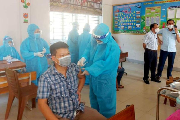 Nghệ An: Đề nghị tiêm Vaccine Covid-19 cho giáo viên phục vụ Kỳ thi tốt nghiệp THPT