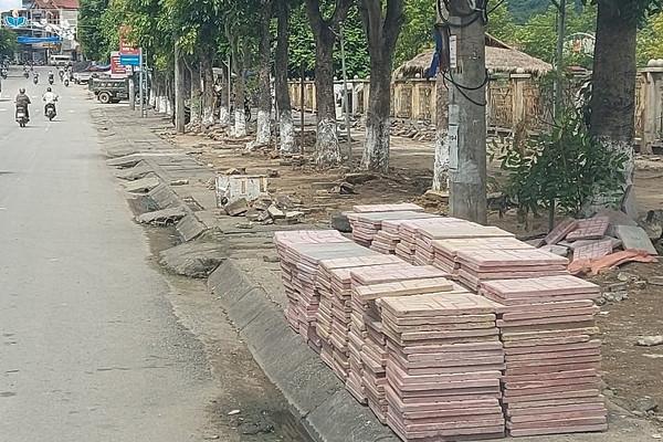"""Than Uyên – Lai Châu:  Huyện nghèo lại """"chơi sang""""?"""
