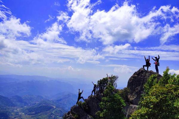 Khám phá cảnh đẹp trên Đỉnh Bạc Sơn - Lai Châu