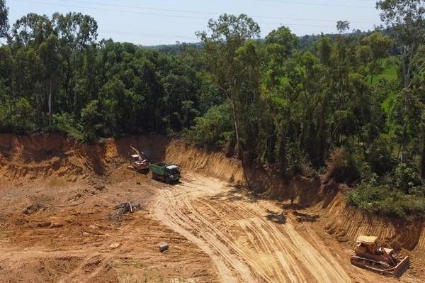 Núi Thành (Quảng Nam): Giấy phép hết hạn, doanh nghiệp vẫn khai thác khoáng sản?