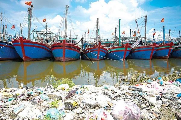 """Bài dự thi """"Cùng giữ màu xanh của biển"""" - Rác thải từ biển: Hãy hành động vì môi trường"""