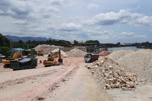 TX.Đông Triều (Quảng Ninh): Nhiều cảng, bến vật liệu hoạt động trái phép, gây ô nhiễm