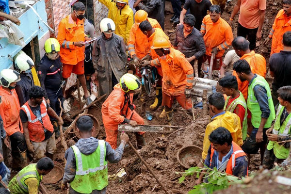 Ít nhất 30 người thiệt mạng do mưa lớn gây lở đất ở Mumbai