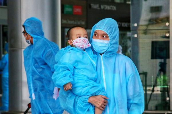 Người dân Đà Nẵng xúc động từ vùng dịch Covid-19 TP.HCM trở về