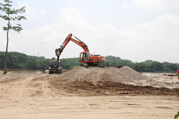 Yên Bái: Làm rõ trách nhiệm, kiên quyết xóa bỏ các bãi tập kết cát sỏi trái phép