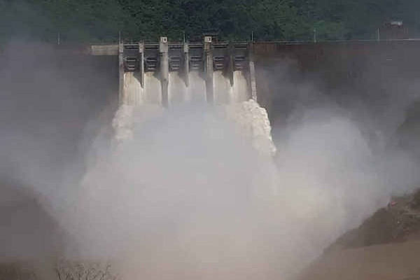 Nghệ An: Mưa to kéo dài, nhiều nhà máy thủy điện xả lũ
