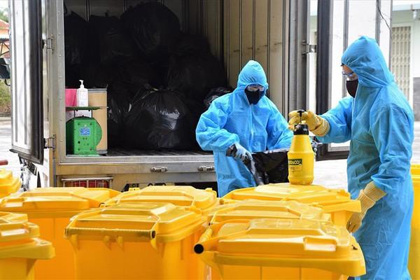 Hà Nội bảo đảm vệ sinh môi trường trong những ngày giãn cách xã hội