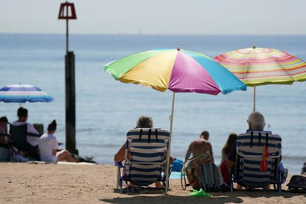 Nhiệt độ mùa hè ở Anh có thể lên đến 40 độ C do biến đổi khí hậu