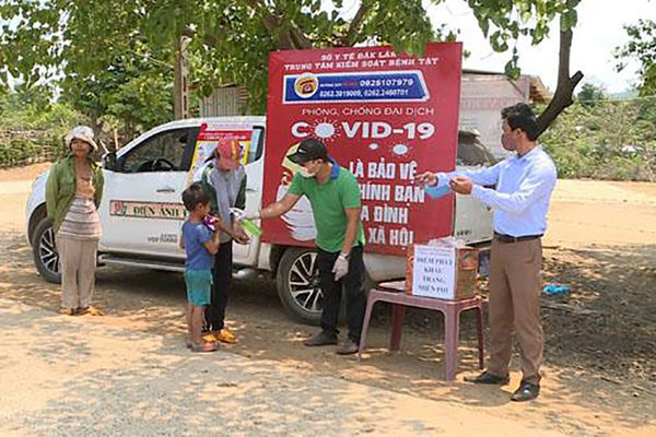 Đắk Lắk: Nâng cao nhận thức về công tác phòng dịch covid – 19 cho đồng bào dân tộc thiểu số