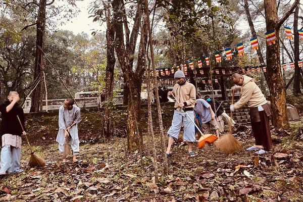 Cộng đồng tôn giáo Thừa Thiên Huế đã tham gia tích cực vào công tác bảo vệ môi trường, ứng phó BĐKH