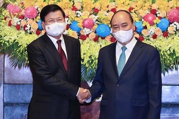Chủ tịch nước Nguyễn Xuân Phúc lên đường thăm chính thức CHDCND Lào