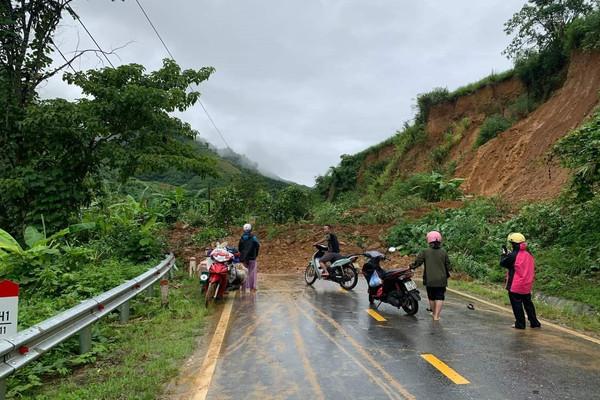 Lai Châu: Mưa lớn sạt lở nhiều tuyến đường, gây ách tắc giao thông