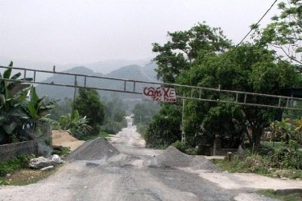 """Đô Lương (Nghệ An): Người dân """"kêu trời"""" vì ô nhiễm môi trường do mỏ đá"""