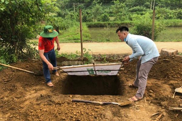 Hố rác di động - phương án bảo vệ môi trường mới ở xã vùng cao Huy Thượng