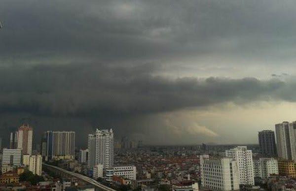 Dự báo thời tiết ngày 15/8: Hà Nội mưa dông, có nơi mưa to