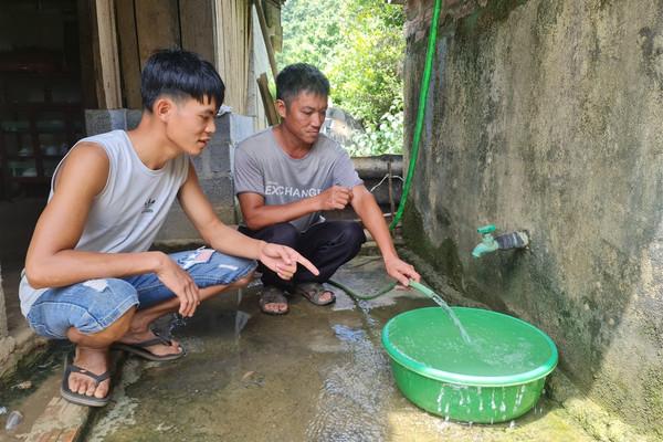 """Thạch An (Cao Bằng): Dân """"tố"""" chuồng trại nuôi trâu xả thải, gây ô nhiễm nguồn nước"""