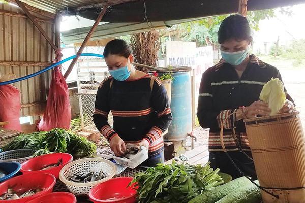 Tuyên truyền về bảo vệ môi trường cho đồng bào DTTS ở Gia Lai: Đi từng ngõ, gõ từng nhà