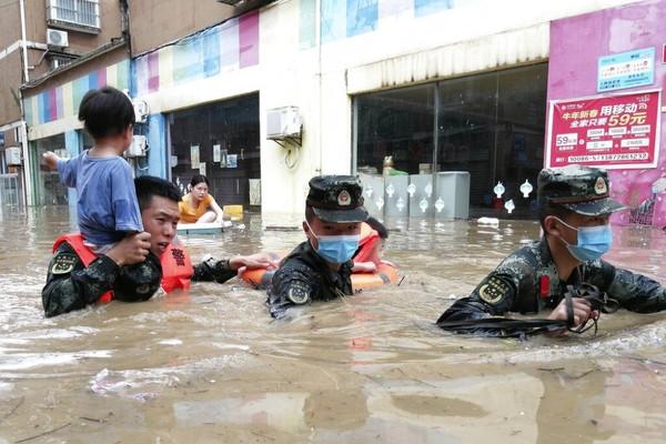 Trung Quốc ban hành cảnh báo đỏ về mưa lớn ở Hà Nam