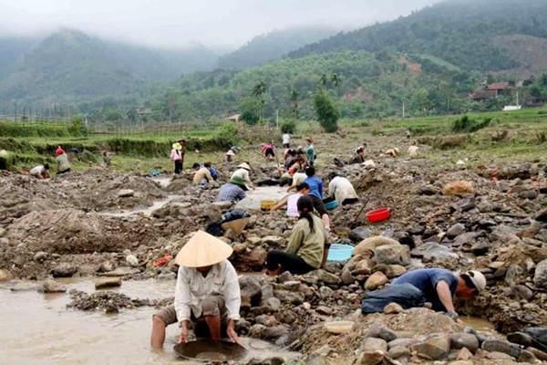 Nâng cao nhận thức cộng đồng về tài nguyên khoáng sản ở vùng đồng bào dân tộc