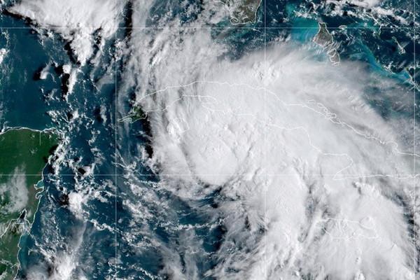 Bão Ida mạnh cấp 4 đổ bộ Mỹ, gây ảnh hưởng nhiều nước khác