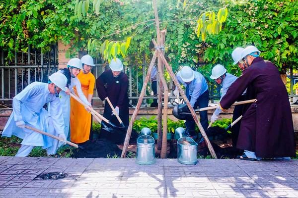TP.HCM: Phát huy vai trò các tổ chức tôn giáo trong BVMT và ứng phó với biến đổi khí hậu