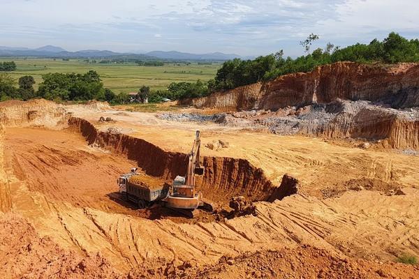 Thanh Hóa: Đóng cửa mỏ sét kaolin tại Lang Chánh