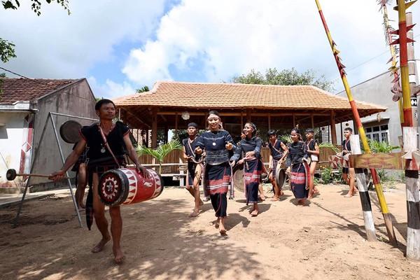 Gia Lai: Đồng bào Ba Na làm du lịch