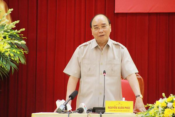 Chủ tịch nước Nguyễn Xuân Phúc làm việc với lãnh đạo tỉnh Yên Bái