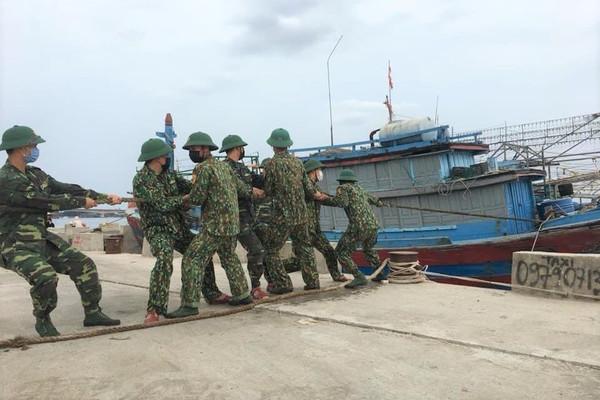 Quảng Trị: Test nhanh Covid-19 cho thuyền viên ngoại tỉnh vào tránh bão số 5