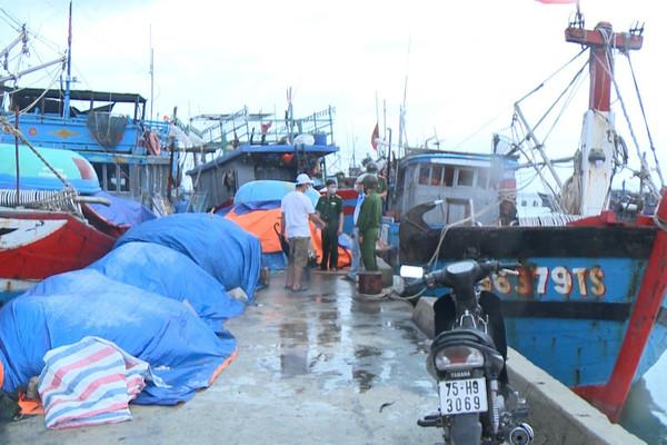 Ứng phó bão số 5 ở Thừa Thiên - Huế: Ưu tiên sơ tán người già, trẻ em
