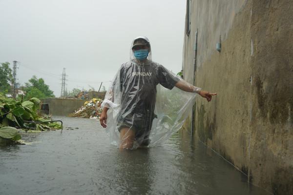 Mưa xối xả, phố phường Đà Nẵng biến thành sông