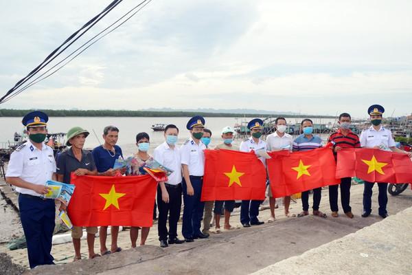 """33 cá nhân đạt giải thưởng trong đợt thi Tuần 1 Cuộc thi """"Tìm hiểu Luật Cảnh sát biển Việt Nam"""""""