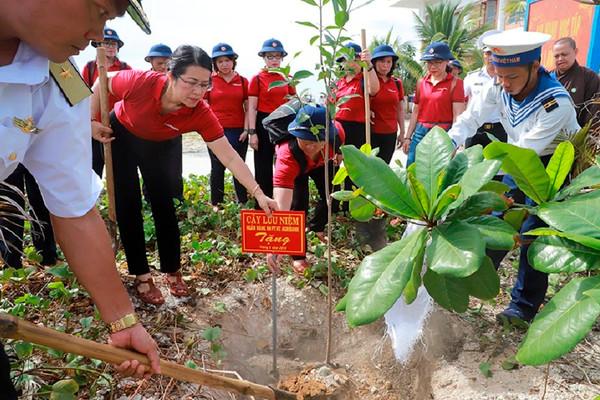 Agribank tuyên truyền bảo vệ môi trường góp phần phát triển bền vững đất nước