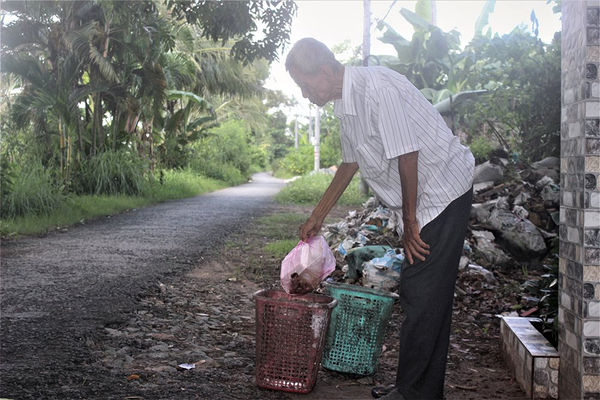 Vĩnh Châu (Sóc Trăng): Đồng bào dân tộc Khmer tích cực tham gia bảo vệ môi trường và phòng, chống dịch Covid-19