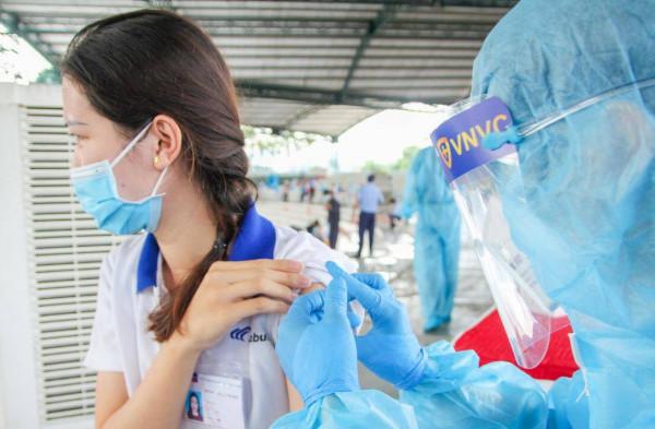 TPHCM chưa rút ngắn thời gian giữa 2 mũi tiêm vaccine AstraZeneca