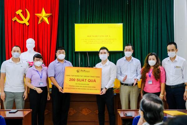 T&T Group trao tặng 3.000 suất quà cho người dân Hà Nội gặp khó khăn do Covid - 19